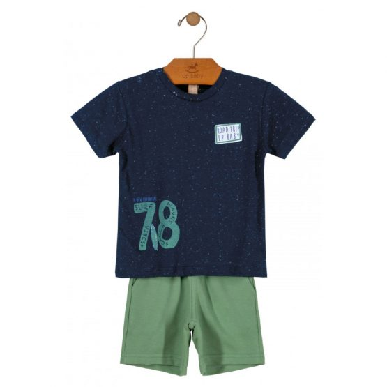 Conjunto camiseta e bermuda – Viagem