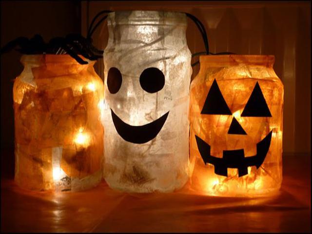 Luminárias de abóbora e fantasma