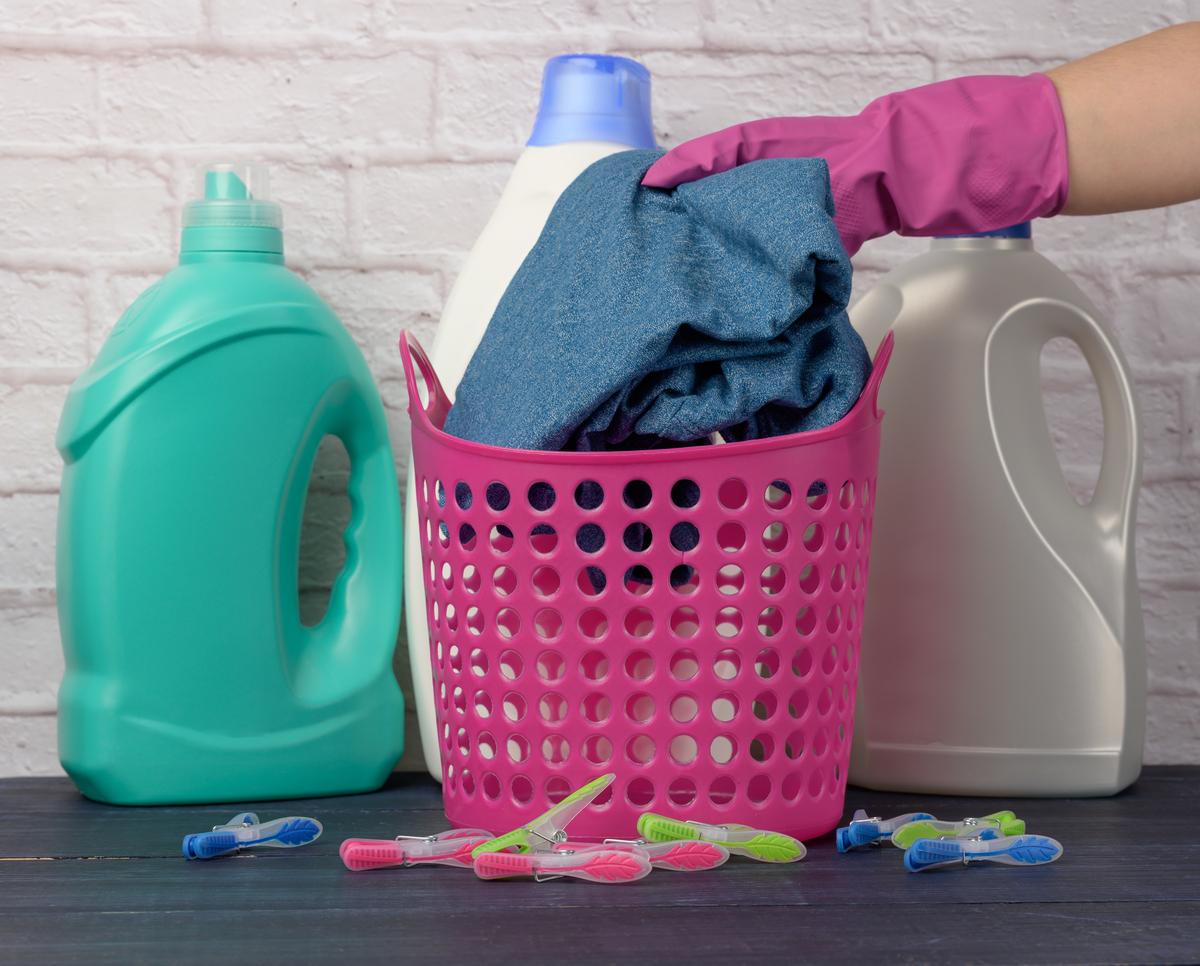 cuidado com as roupas e os produtos de limpeza